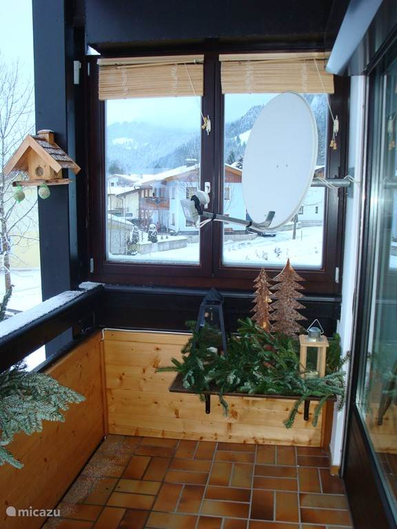 Balkon in kerstsfeer.
