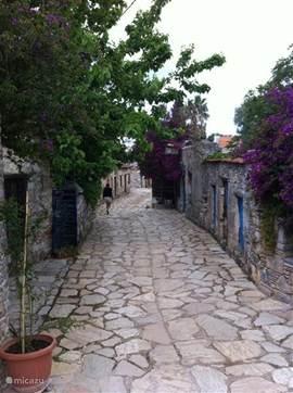 Een van de authentieke straatjes in het oude Datca (Eski Datca).