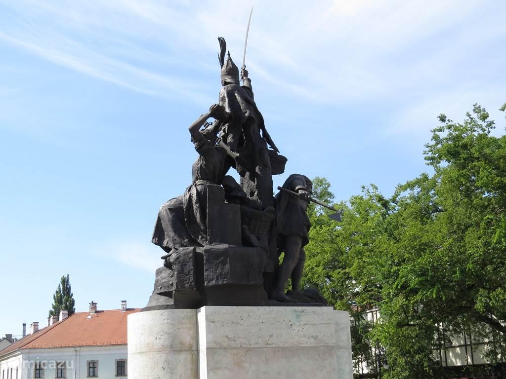 2000 jaar geschiedenis, met bezetting door de Turken en door de Russen