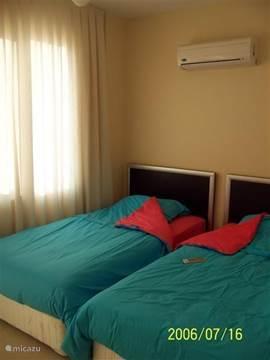 Alle slaapkamers zijn met uitstekende bedden en met een airco uitgerust.
