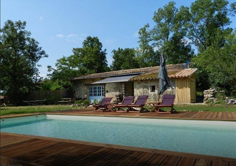 Le Voisin. Unieke kans, zomaar drie weken vrij door annulering. 18/8 tot 8/9. Met heerlijk zwembad en vrij uitzicht. St. Antonin Noble Val