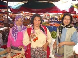 Turkse charme op de markt in Selcuk, vlak bij Ephese.