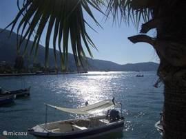 Het idyllische strand ligt op 2 km. van de villa.