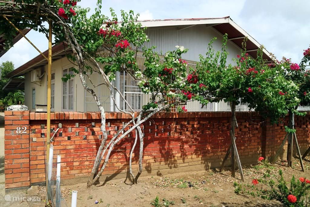 Vakantiehuis Suriname, Paramaribo, Paramaribo Vakantiehuis Villa Aryanti Blauwgrond