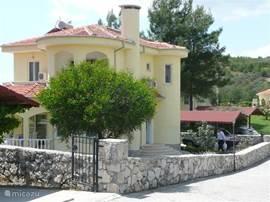 De achterkant van Villa Erkin