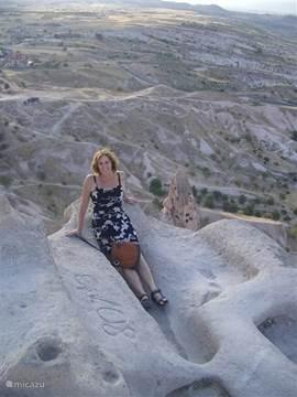 Uçhisar is het hoogste punt van de streek Cappadocië. Via trappen is de top van de 'kale' te bereiken, vanwaar je van een weids uitzicht kunt genieten.