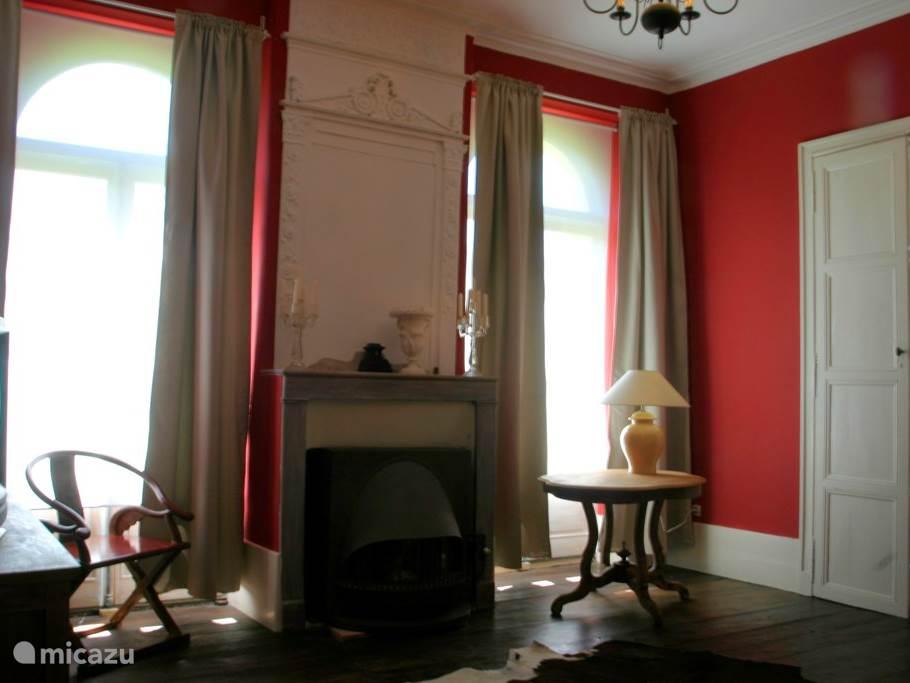 De rode kamer met gashaard