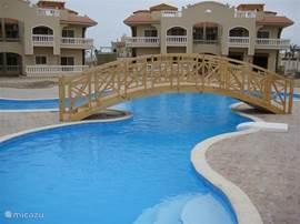 Residieren Sie in einem geräumigen Luxus-Villa auf dem Roten Zee.Eventueel Platz für 12 Personen.
