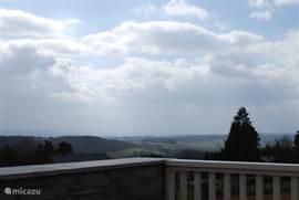 Aussicht von der Wohnung und vom Balkon