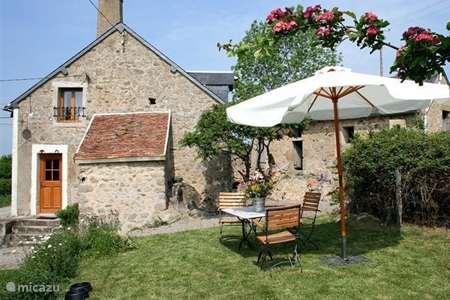 Vacation rental France, Nièvre, Sermages farmhouse L`Hirondelle