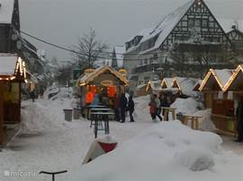 On the square at Winterberg are always in the winter cozy booths, visit also the Christmas!