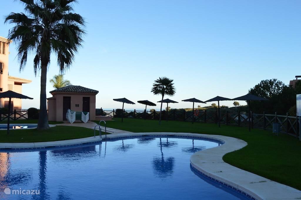 1 van de 4 zwembaden in de urbanisatie
