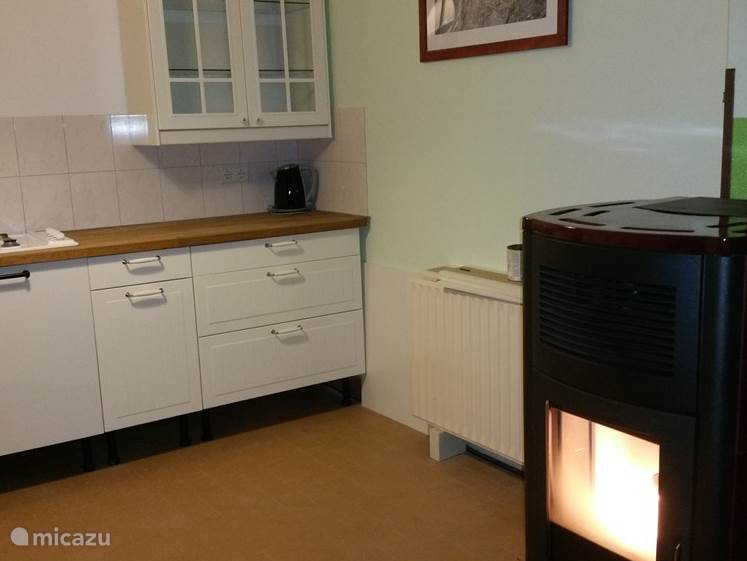 The apartment is equipped with a 13kw pellet stove and double glazing making the apartment within a short time comfortable temperature. This saves a lot of gas.
