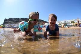 Of gewoon heerlijk naar het veilige, schone en kindvriendelijke strand van Puerto de Mogan.