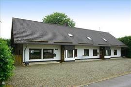 VERY SPACIOUS ACCOMMODATION ON THE Belgian-German border. THE HOUSE COMPRISES 'N three lodgings, including one occupied by the owners. THE 2 HOLIDAY APARTMENTS HAVE AN OWN PLACE DINING ROOM, KITCHEN. THEY BOTH HAVE ABOUT 5 BEDROOMS WITH GENERALLY delicious boxsprings and 1 BEDROOM HAS AN EXTRA BUNK. IN TOTAL 4 BATHROOMS
