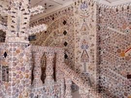 Het Schelpenhuis in Rojales is buiten en binnen volledig met schelpen beplakt. Ongelooflijk om te zien!