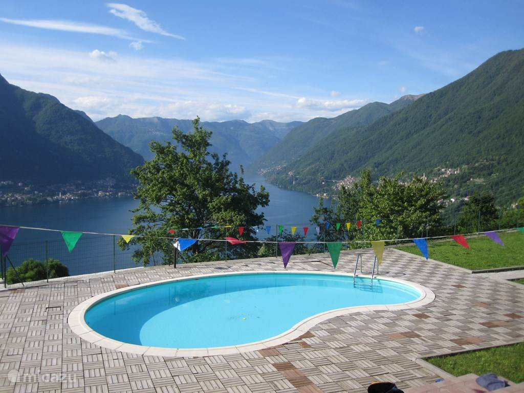 Swimming pool and view over Lake Como