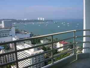 CHEAP CONDO OFFER  we celebrate 10 year of Pattaya now. 10% discount whole year check  3 consecutive months would be 20% discount.  View !!
