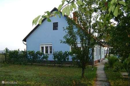 Vacation rental Hungary – holiday house Tanya Kertész ut