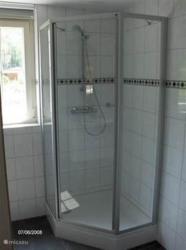 Douchehoek (badkamer begane grond)
