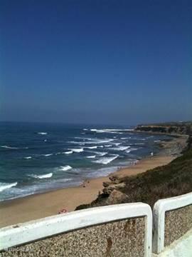 Heerlijk strand op loopafstand.