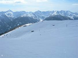 Eindeloos skiën en je keer op keer laten verrassen door de adembenemende vergezichten.