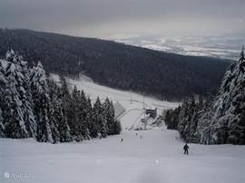 Impressie van het skigebied Jested.