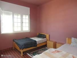 slaapkamer 1, richting zwembad(2 single bed)