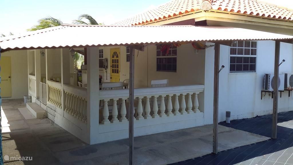 Vakantiehuis Aruba, Paradera, Papaya bungalow Papaya