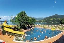 Diverse zwembaden in de directe omgeving