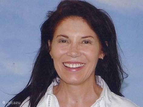 Marcia  Taams
