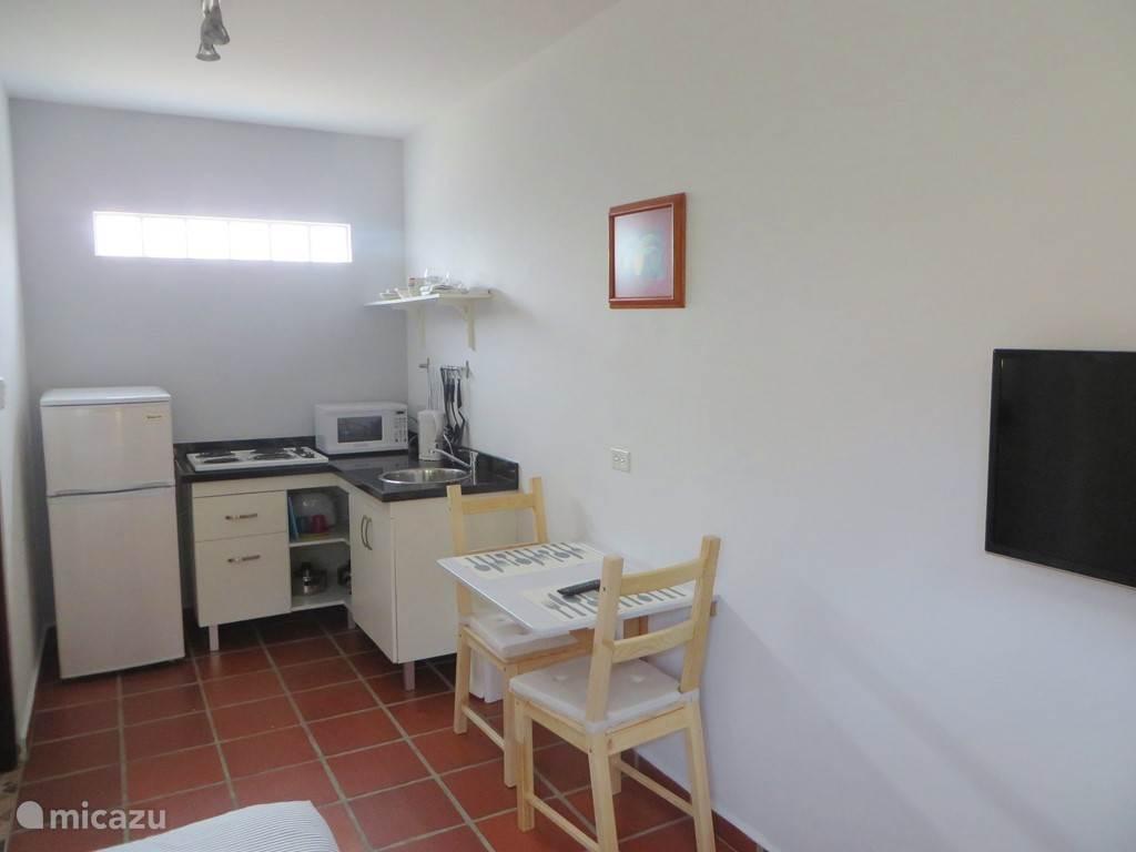 Aruba Studio B - Keuken en zitgedeelte