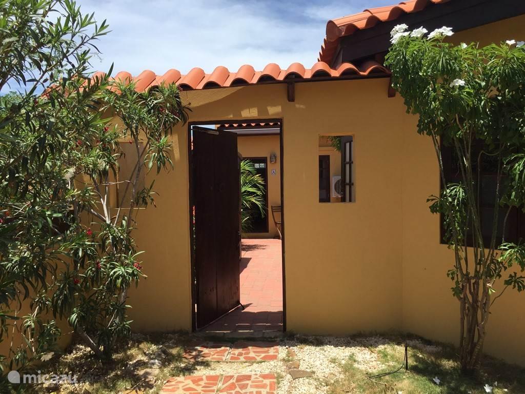 Entrance to the Aruba Studios
