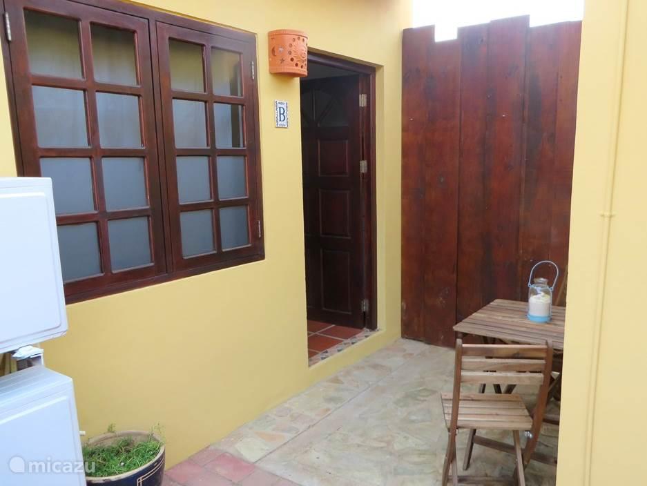 Entrance Aruba Studio B