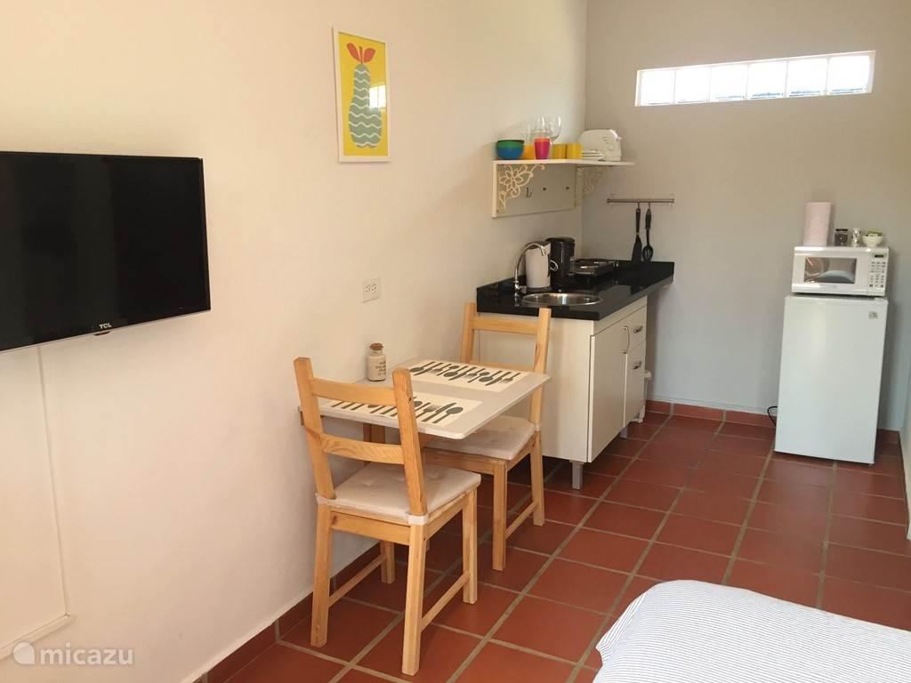 Aruba Studio A - Keuken met zitgedeelte