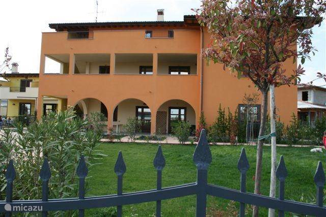 Vacation rental Italy, Lake Garda – apartment Villa Serraglie II