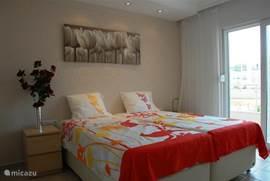 Alle 4 bedden hebben geweldige Traagschuim matrassen 90x200cm en 30 cm dik.Iedereen die erop heeft geslapen wil daarna thuis ook deze matrassen aanschaffen.