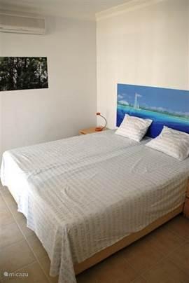 2de slaapkamer,ook met 2 traagschuim matrassen 90x200 cm.