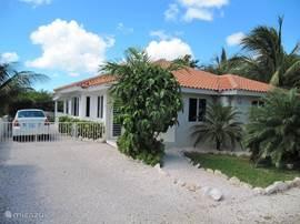 Voorzijde van Villa Palu Di Koko