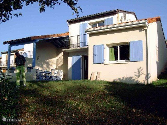 Vacation rental France, Charente – holiday house Village le Chat, Huize Meermin