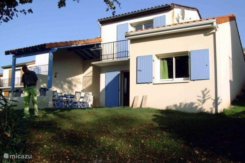 Vacation rental France, Charente, Écuras Holiday house Village le Chat, Huize Meermin