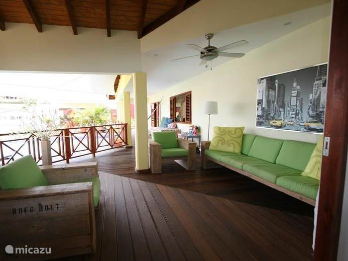 On the porch you can enjoy early morning until late at night in privacy, enjoying the great outdoors in Curacao