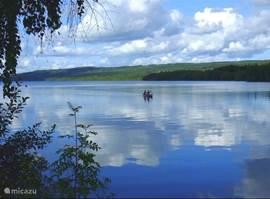 Met de kano over het meer of door de riviertjes
