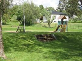 Een leuke plek om te wandelen en voor de kinderen veel speelplezier!
