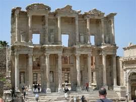 Rondom Kusadasi vind je veel culturele bezienswaardigheden zoals o.a.Efeze, wat wereldwijd bekent staat.