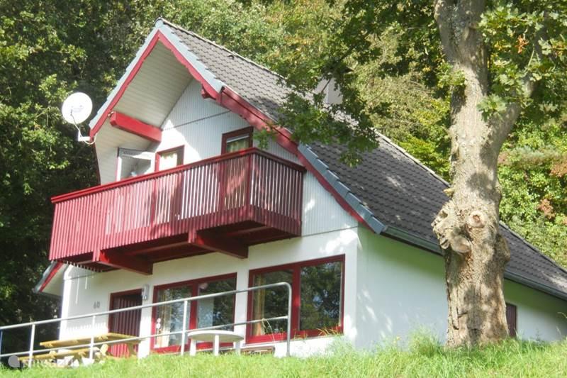 ferienhaus seepark 60 in kirchheim hessen deutschland. Black Bedroom Furniture Sets. Home Design Ideas