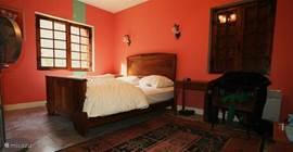 slaapkamer 3 met toegang naar badkamer 2.