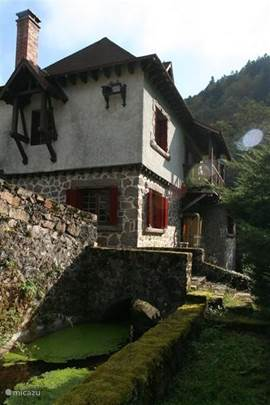 Moulin sur Besbre: side