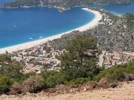 Op 5 km van de villa vind U het strand Ölüdeniz.
