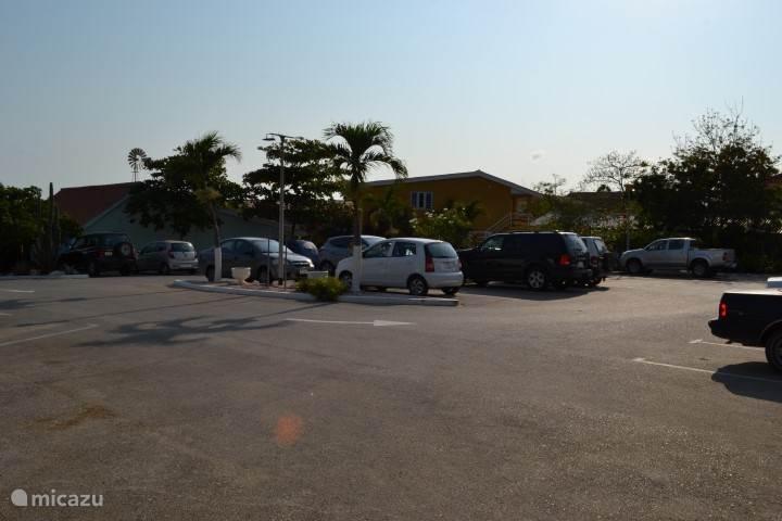Beveiligde parkeergelegenheid Seru Coral Resort